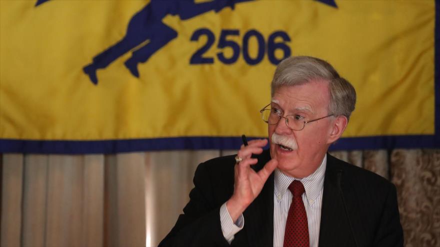 El asesor de Seguridad Nacional de la Casa Blanca, John Bolton, durante un discurso en el Hotel Biltmore, en Miami, Florida, 17 de abril de 2019. (Fuente: AFP)