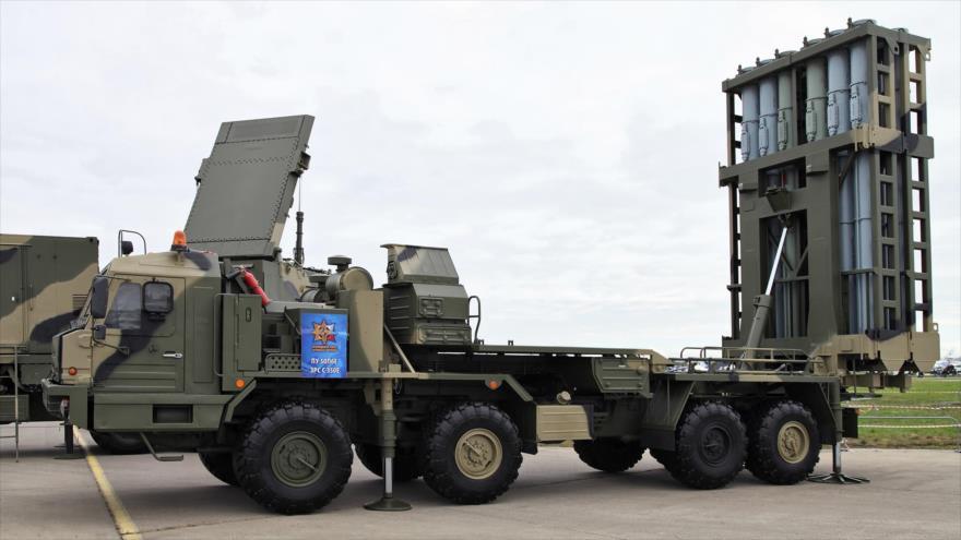 Un sistema ruso de defensa antiaérea S-350.