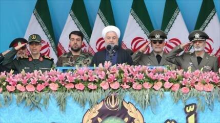 Rohani ofrece un discurso en Día Nacional del Ejército de Irán