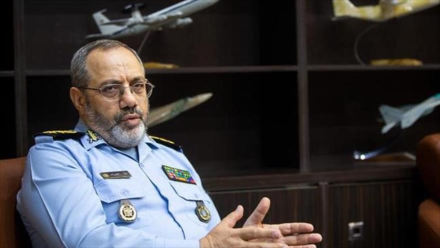 El Comandante de la Fuerza Aérea del Ejército de Irán, el General de Brigada Amir Nasirzadeh.