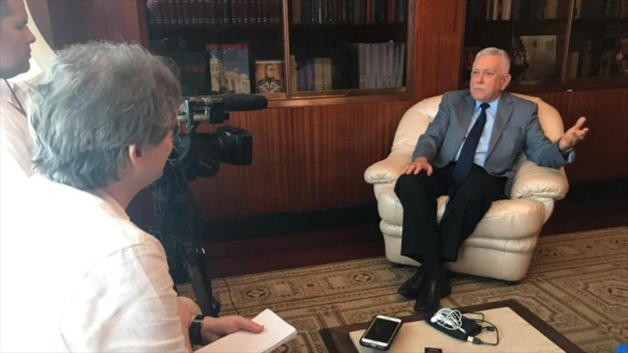 Embajador ruso en Venezuela, Vladimir Zaemskiy, mantiene una entrevista con la agencia The Associated Press en Caracas, capital venezolana, 17 de abril de 2019.