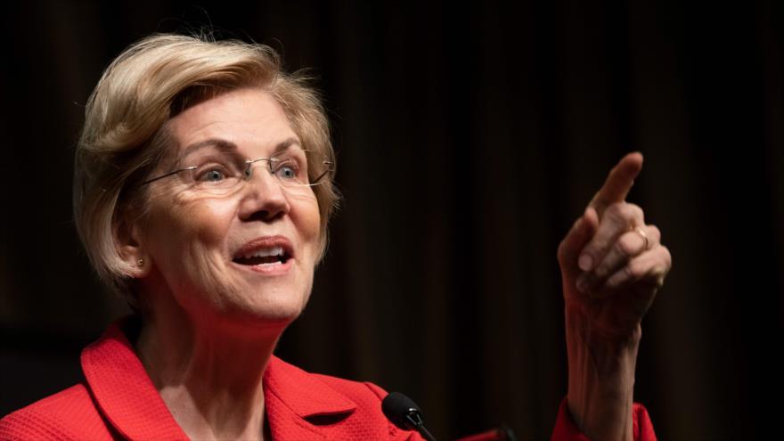 La senadora demócrata y precandidata presidencial de EE.UU., Elizabeth Warren, habla durante una reunión en Nueva York, 5 de abril de 2019. (Foto: AFP)