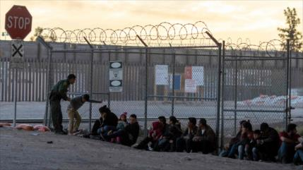 Milicia armada en EEUU detiene a 300 migrantes en zonas fronterizas