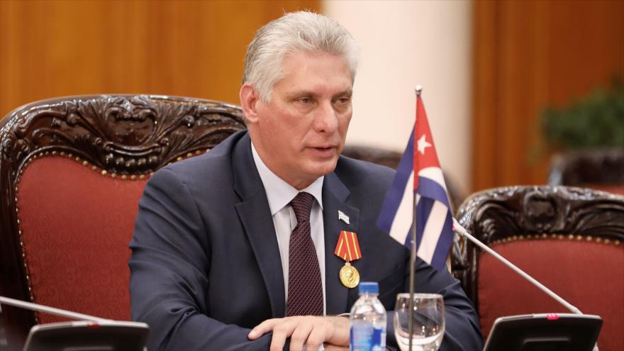 El presidente cubano, Miguel Díaz-Canel, en una reunión en una oficina gubernamental en Hanói, capital de Vietnam, 9 de noviembre de 2018. (Foto: AFP)