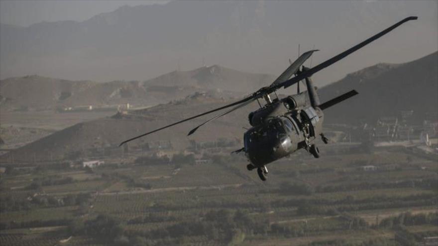 Un helicóptero estadounidense sobrevuela zonas occidentales de Irak. (Foto: Getty Images).