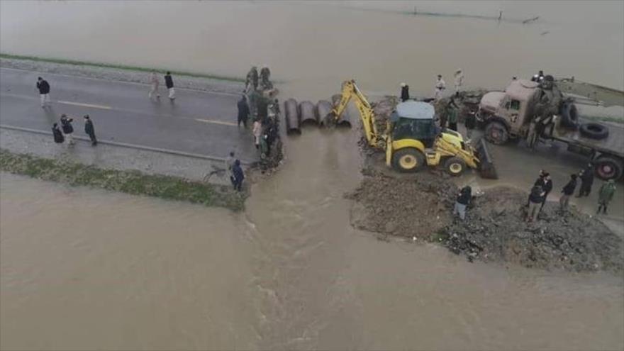 Vehículos del Cuerpo de Guardianes de la Revolución Islámica (CGRI) de Irán desplegados en las zonas norteñas de Irán afectadas por las riadas.