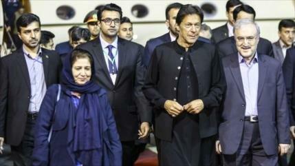 Premier paquistaní llega a Teherán para afianzar lazos con Irán