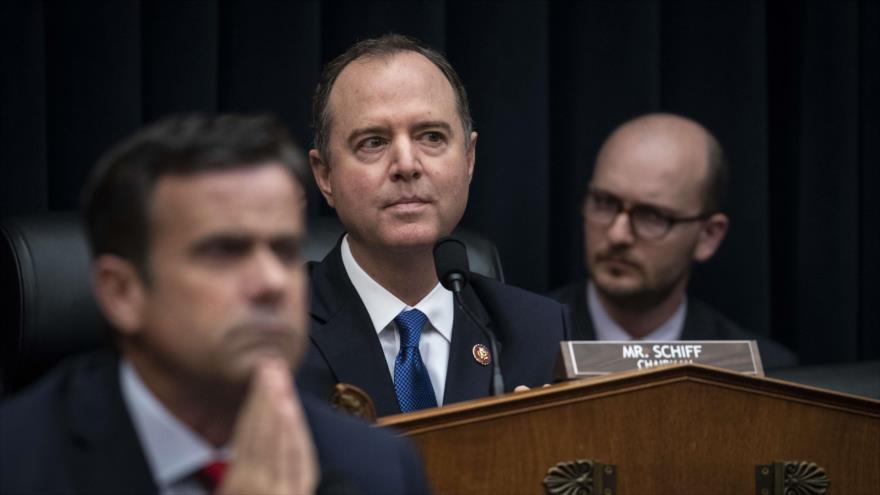El presidente del Comité de Inteligencia en la Cámara de los Representantes, Adam Schiff, en una sesión de dicho Comité en el Capitolio, 28 de marzo de 2019.