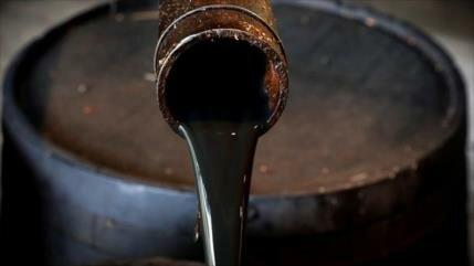 Precio de crudo toca máximos anuales por presiones de EEUU a Irán