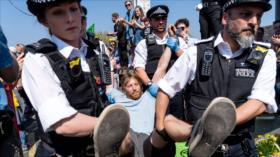Irán condena arresto y represión de activistas en el Reino Unido