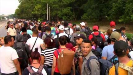 "Migrantes cubanos se unen a la ""caravana madre"" en México"
