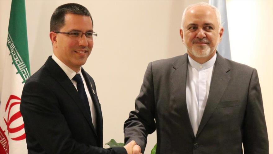 El canciller iraní, Mohamad Yavad Zarif (dcha.), y su par venezolano, Jorge Arreaza, se reúnen en Nueva York (EE.UU.), 24 de abril de 2019.