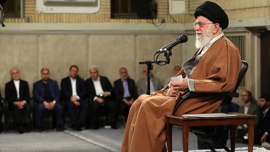 Ayatolá Jamenei: EEUU jamás pondrá de rodillas a Irán