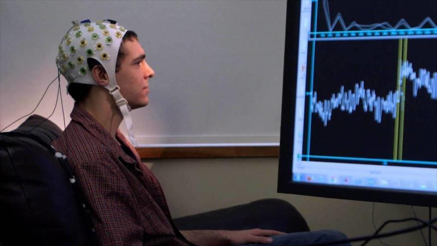 Implante cerebral transforma pensamientos en palabras