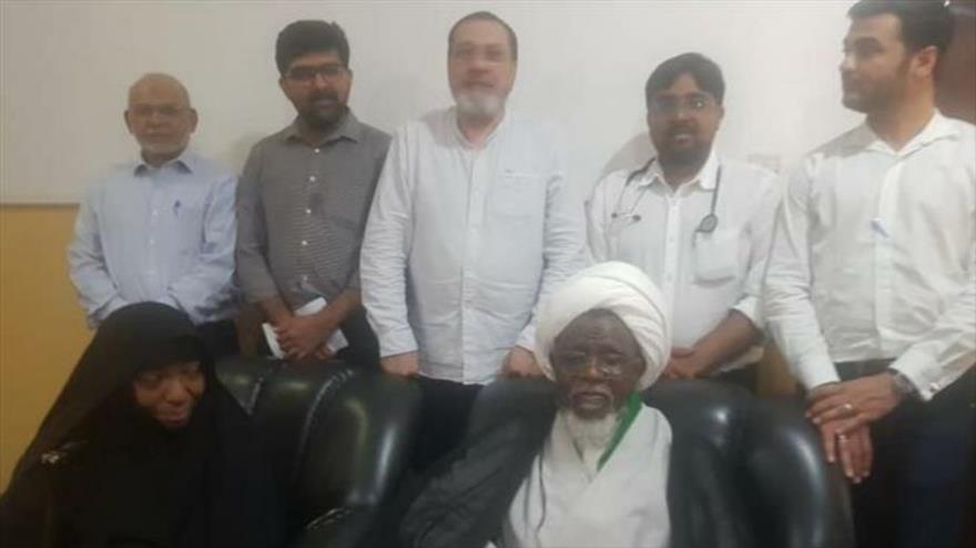 Médicos visitan al sheij Ibrahim al-Zakzaky, el líder del Movimiento Islámico de Nigeria y su esposa, 25 de abril de 2019.