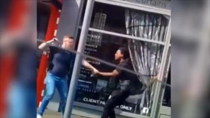 Sigue brutalidad policial contra negros en el Reino Unido