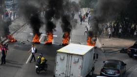 Médicos y maestros hondureños se declaran en protestas permanentes