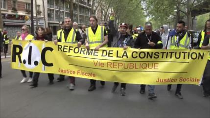 """""""Chalecos amarillos"""" y sindicatos protestan contra Emmanuel Macron"""