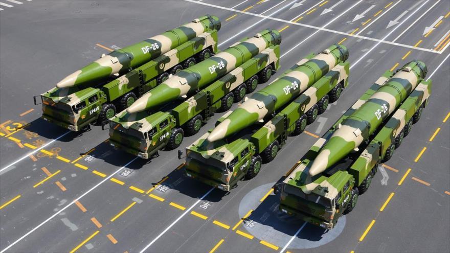 Una plataforma de misiles guiados de largo alcance DF-26 de fabricacion chino.