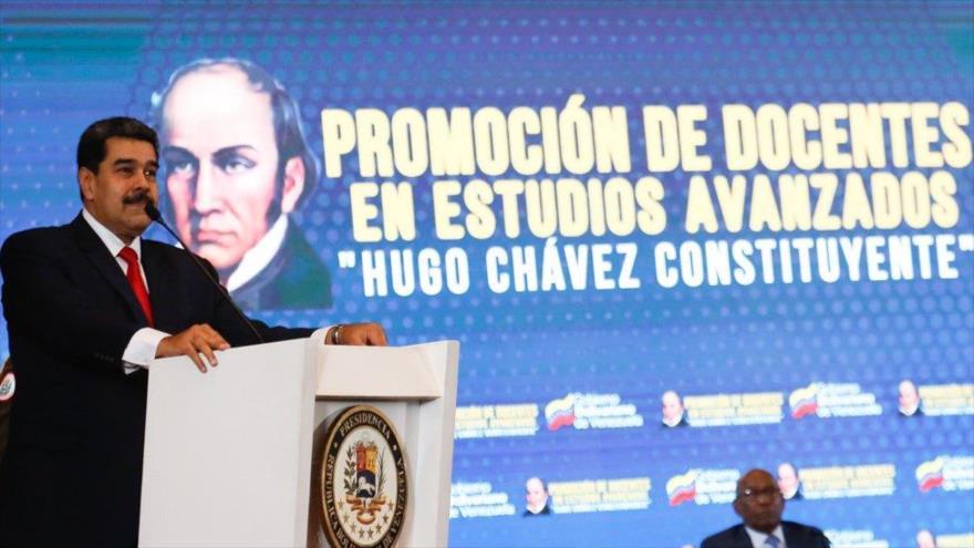 El presidente de Venezuela, Nicolás Maduro, ofrece un discurso en Caracas, 27 de abril de 2019.
