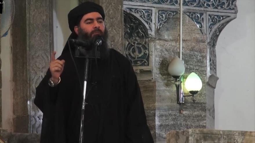 Líder del grupo terrorista EIIL (Daesh, en árabe), Abu Bakr al-Bagdadi, en Mosul, Irak, 5 de julio de 2014. (Foto: AFP)