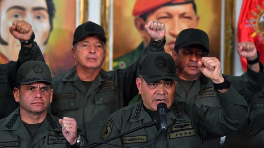 El ministro de Defensa de Venezuela, Vladimir Padrino López, ofrece un discurso en Caracas, capital, 19 de febrero de 2019. (Foto: AFP)