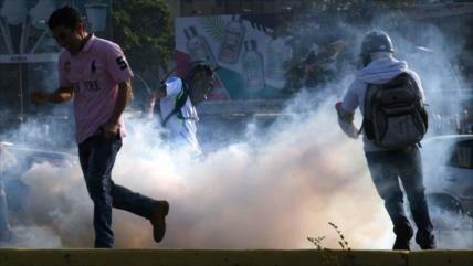 """Bolivia y Cuba condenan ataque golpista del """"imperio"""" en Venezuela"""