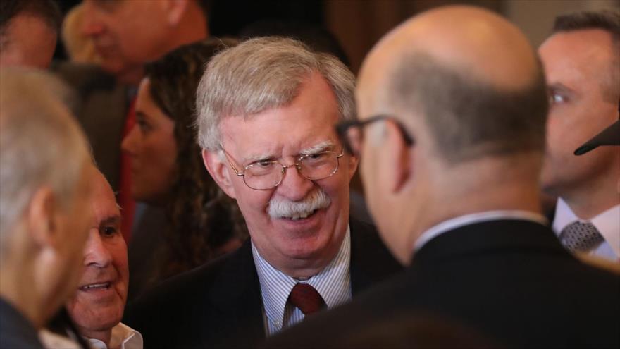 El asesor de Seguridad Nacional de EE.UU., John Bolton, antes de ofrecer un discurso en Florida (sureste), 17 de abril de 2019. (Foto: AFP)