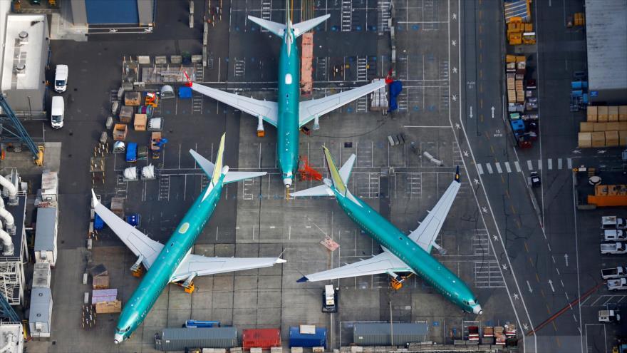 EEUU prohíbe a sus firmas volar a menos de 8 km sobre Venezuela | HISPANTV