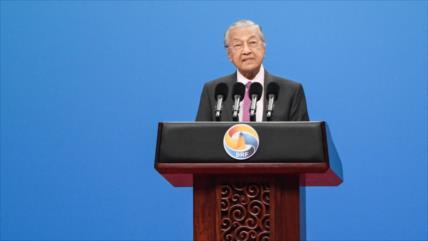 """Premier de Malasia tacha de """"terrorista y bárbaro"""" a Israel"""