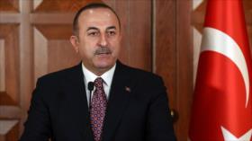 Turquía dice a EEUU que no puede renunciar al petróleo iraní