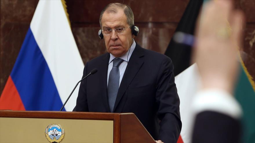 El canciller ruso, Serguéi Lavrov, en una conferencia de prensa en Kuwait, 6 de marzo de 2019. (Foto: AFP)