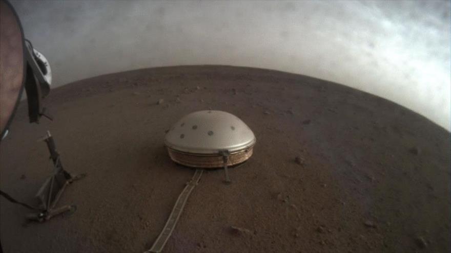 La sonda InSight de la NASA capturó imágenes del atardecer de Marte, el 25 de abril de 2019.