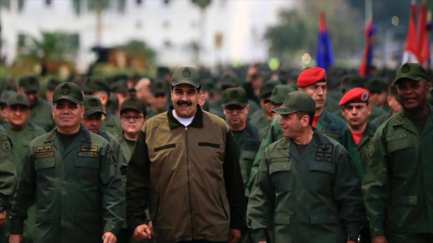 Maduro: Un puñado de traidores no puede manchar el honor de FANB | HISPANTV