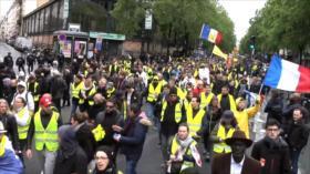 """""""Chalecos amarillos"""" siguen denunciando las políticas de Macron"""