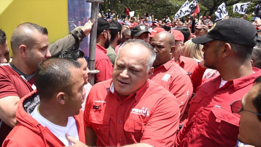 El presidente de la ANC de Venezuela, Diosdado Cabello (centro), en una manifestación por el Día del Trabajador en Caracas, 1 de mayo de 2019. (Foto: AFP)