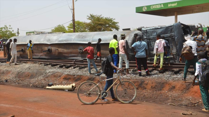 Explosión de camión cisterna en Níger mata a 58 personas