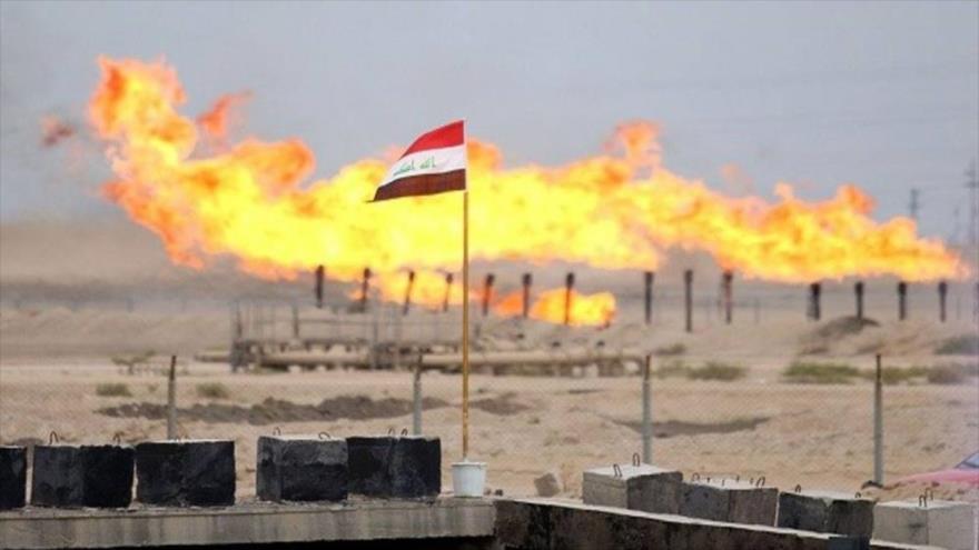 Vista general de un campo de gas en Irak.