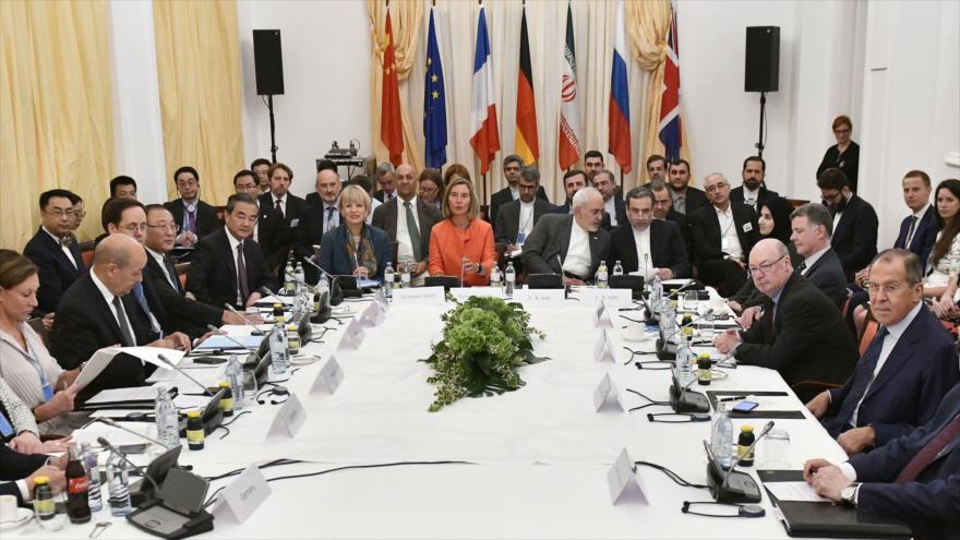 El canciller iraní, Mohamad Yavad Zarif, asiste a una reunión ministerial sobre el pacto nuclear en Viena (Austria), 6 de julio de 2019. (Foto: AFP)
