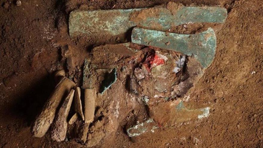 Las herramientas encontradas en una tumba en Perú.