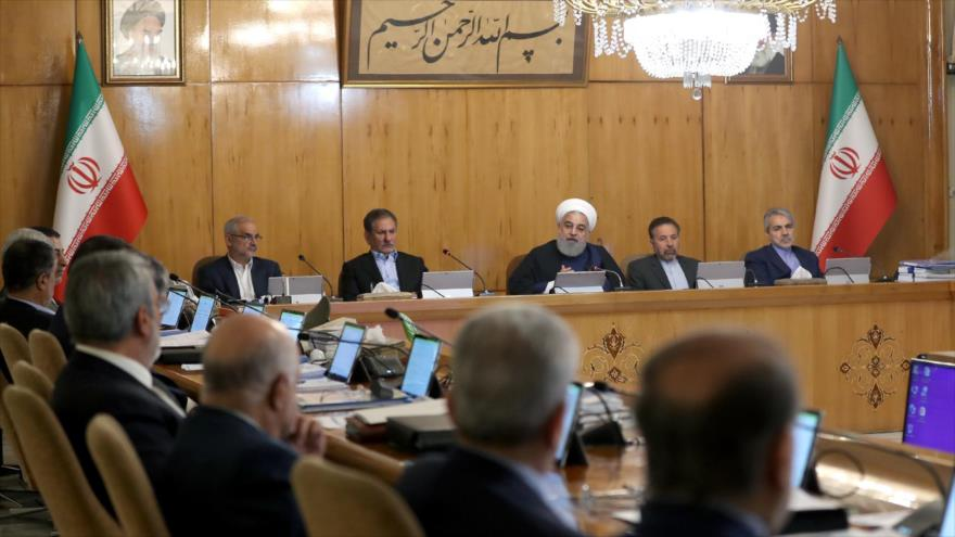 El presidente de Irán, Hasan Rohani (centro), durante una sesión del gabinete, Teherán, 8 de mayo de 2019. (Foto: President.ir)