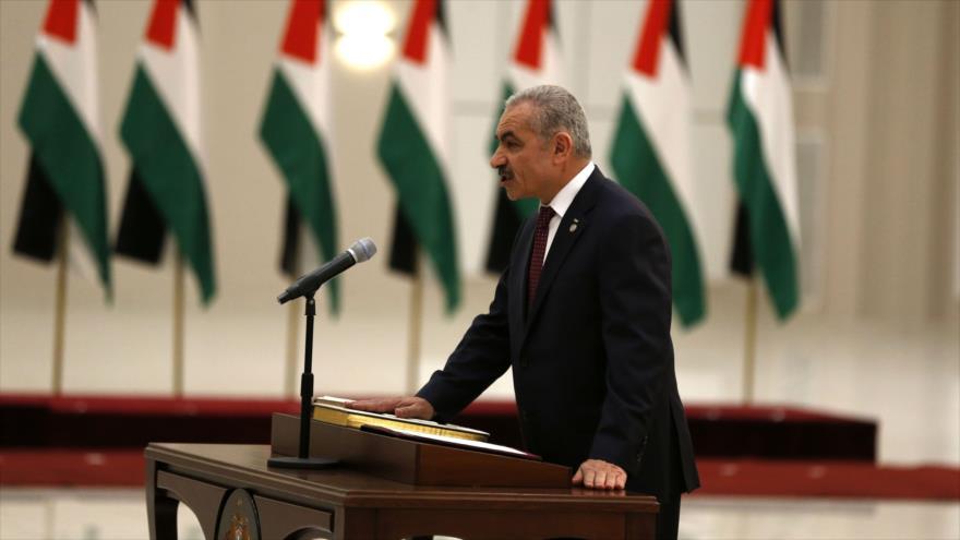 El primer ministro palestino, MohamadShtayeh, ofrece un discurso en Ramalá, 13 de abril de 2019. (Foto: AFP)