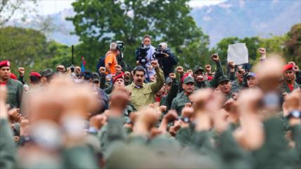 """""""FANB no cederá a ofertas de EEUU para traicionar a Maduro"""""""