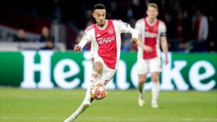 Mazraoui terminó con el ayuno del Ramadán en partido Ajax vs. Tottenham