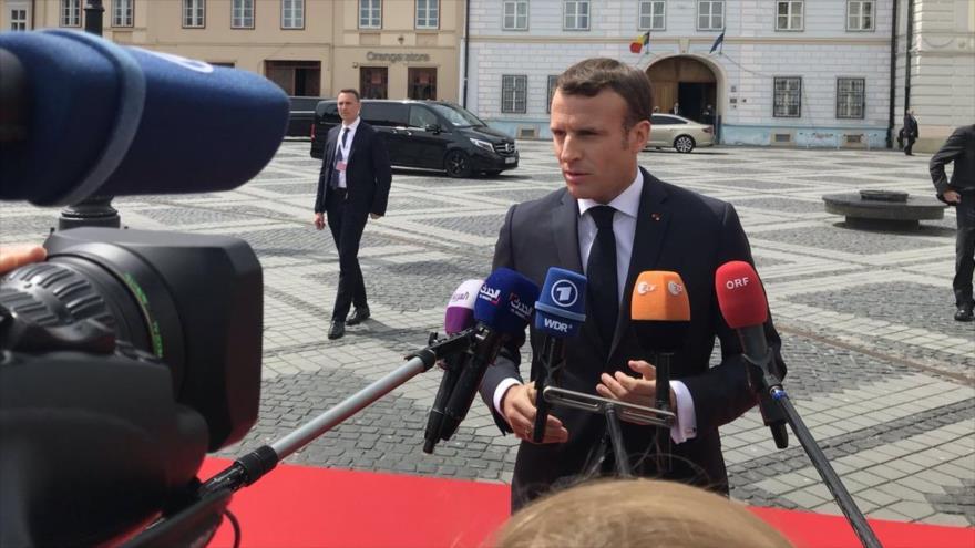 El presidente francés, Emmanuel Macron, a su llegada a Sibiu (Rumanía) para participar en una cumbre de líderes de UE, 9 de mayo de 2019. (Foto: AFP)