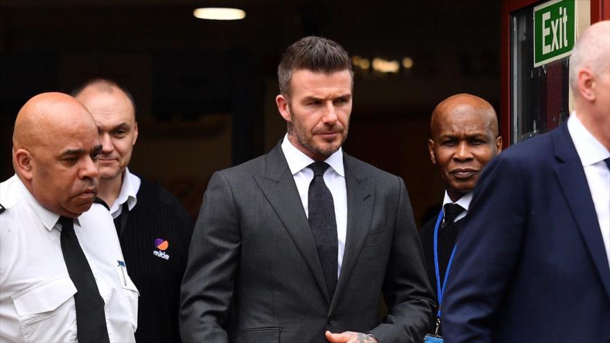 El exfutbolista británico David Beckham (C) deja el Tribunal de Magistrados de Bromley en Bromley, al sureste de Londres, 9 de mayo de 2019, (Foto: AFP)