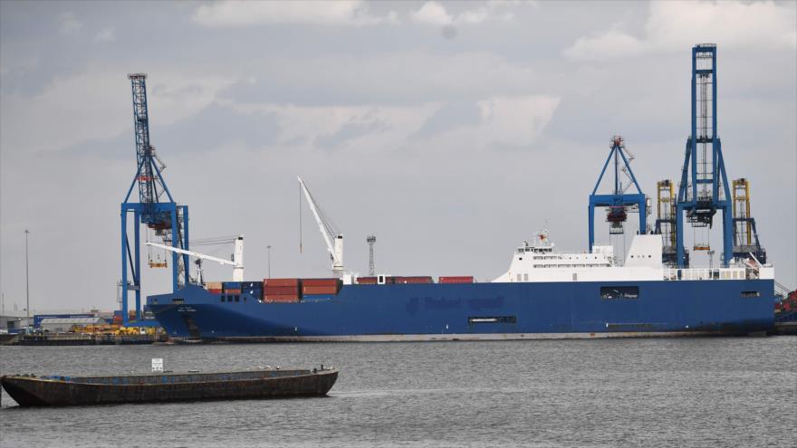 Grupos pro DDHH impiden salida de Francia de buque saudí con armas