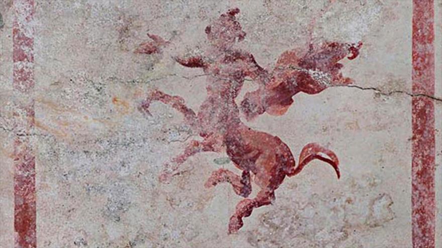 Detalle de uno de los frescos que decoran una de las salas recién descubiertas en la Domus Aurea de Nerón de Roma, Italia. (Foto: Efe)