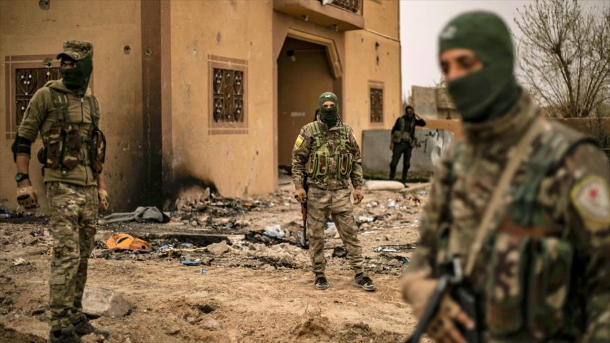 Las llamadas Fuerzas Democráticas Sirias (FDS) en una operación en la provincia siria de Deir Ezzor, 24 de marzo de 2019. (Foto: AFP)
