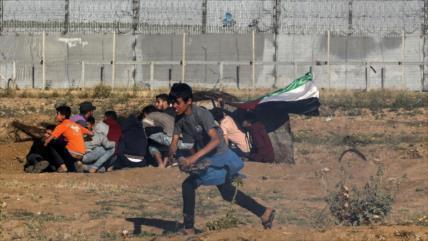 Un palestino muerto y 30 heridos por disparos israelíes en Gaza